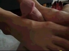 Eating cum from wifes foot
