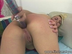 COCK DIVING INSIDE JUICY TEEN ASS