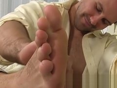 Hunky gentleman Jet massages his own sexy feet
