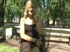 Blonde babe reveals her beauties in the Russian park