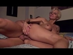 Milf enjoys deep pussy fucking as she screams loudly