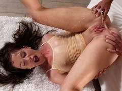 Jessica Rox in HD Pissing Video Wet Yoga