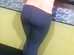Girl Booty In Leggings At Gym