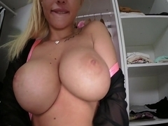 Kyra Hot Shows What She Has Got