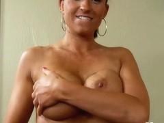 Amateur Swinger MILF in 1st porn