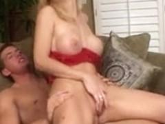 British slut Kelly in a Fmm threesome