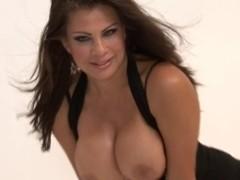 Sexy Bigtitted Cougar Teri Weigel