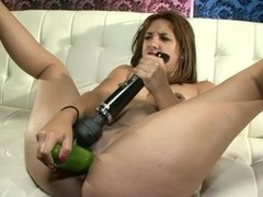 Lola - Cucumber and Gape