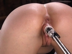 Toy Babe Pussyfucked By Sex Machine
