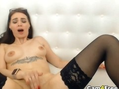 Sexy Brunette Loves Playing Her Pussy