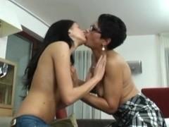 Lesbian Alex 325