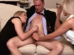 CFNM blondes tug their man on their daybed jointly