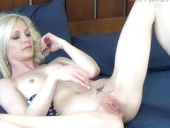 The Female Orgasm: Lizzy in a Bikini