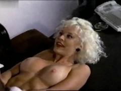 Brinke Stevens,Delia Sheppard in Haunting Fear (1991)