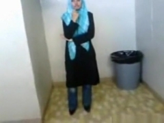 Dude tapes his muslim hijab gf with big boobs and shaved pussy showering