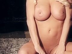 Lindsey Pelas shows us her divine body and 32DDD zeppelins