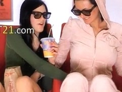 bewitching wowgirls eating pussies