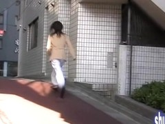Girl experienced sharking shuri and started chasing him