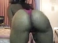Ebony bitch recorded a selfshot video with her bouncing ass