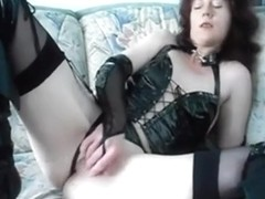Vicious angel fisting her pussy