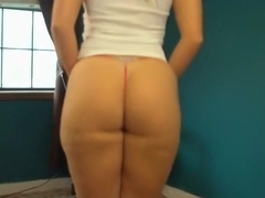 Playing with my arse and shaking it