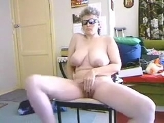 Overweight Caucasian mom with hirsute vagina masturbates on camera