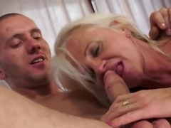 Anett is a mature blonde woman who likes anal sex sessions a lot