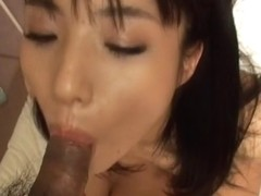 Hottie Momo Junna receives a wet creampie