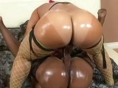 ExGhettoGf: Black lesbian sluts strapon fuck