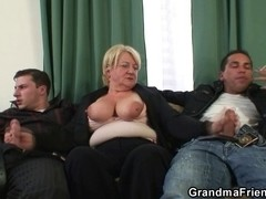 Three-Some fuckfest with granny