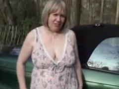 roadside peeing