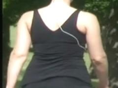 Candid Booty Cheeks (Zoom)