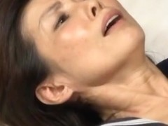 Mika Matsushita, Sayoko Kuroki in messy group action