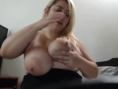 mature mom BBW loves to masturbate in front of me.