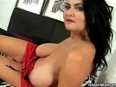 Large titted older mama works her cunt with 2 dildos