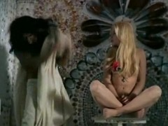 Ewa Aulin,Anita Pallenberg in Candy[1968] (1968)