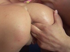 Lascivious pussy hammering