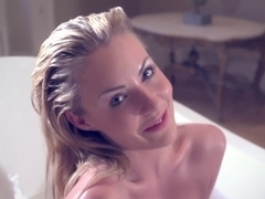 Bathing babe Becky Roberts