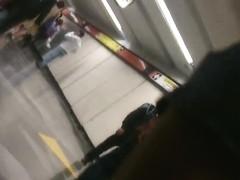 mini short en el metro