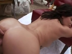 BIG JUICY ASS TEEN GETS FUCKED HARD!