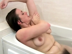 Hairy Jenna gets her pussy wet and masturbate