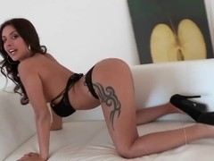 Young and beautiful sweetie Jynx Maze gets her pussy licked by James Dean