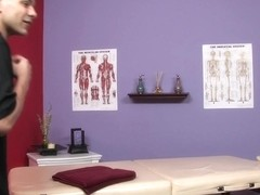 Massage-Parlor: Strip Search