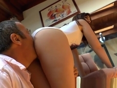 Booty Babe Sits On Face