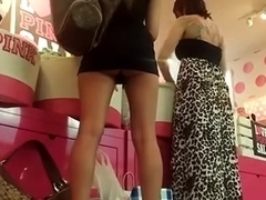 I easily made this upskirt clip 'coz the gal was wearing a too-short skirt