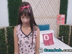 Petite Babe Masturbates on Cam