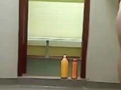 camara escondida en las regaderas del gym