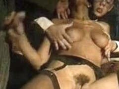 Italian threesome porno with retro pussy fucking