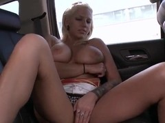 Lylith Lavey gives a very nice head in the car