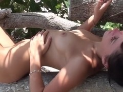 Bella Margo  in hot chick enjoying oral sex on the beach